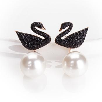 施华洛世奇 时尚黑天鹅 ICONIC SWAN 珍珠般质地 耳饰耳钉女 女友礼物5193949
